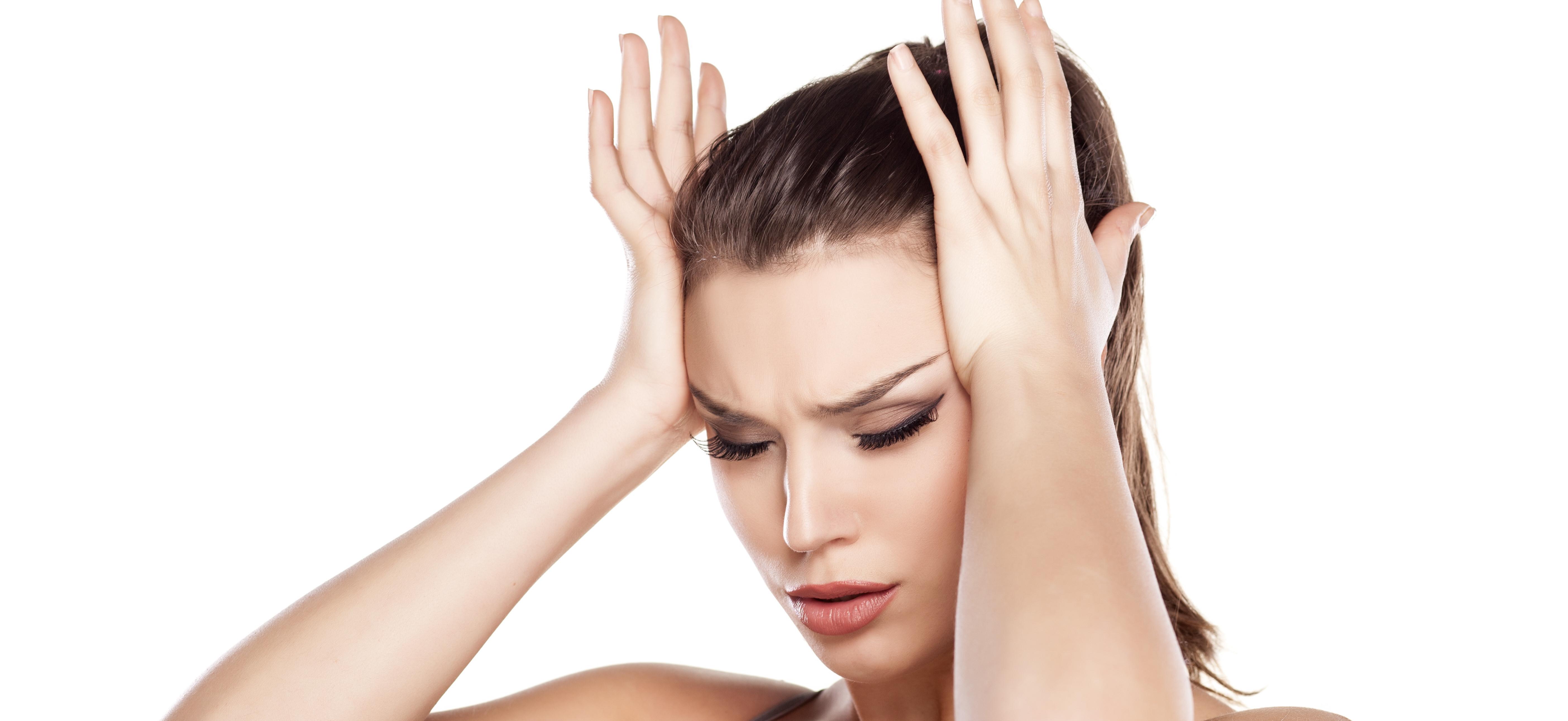 hoofdpijn bij bewegen